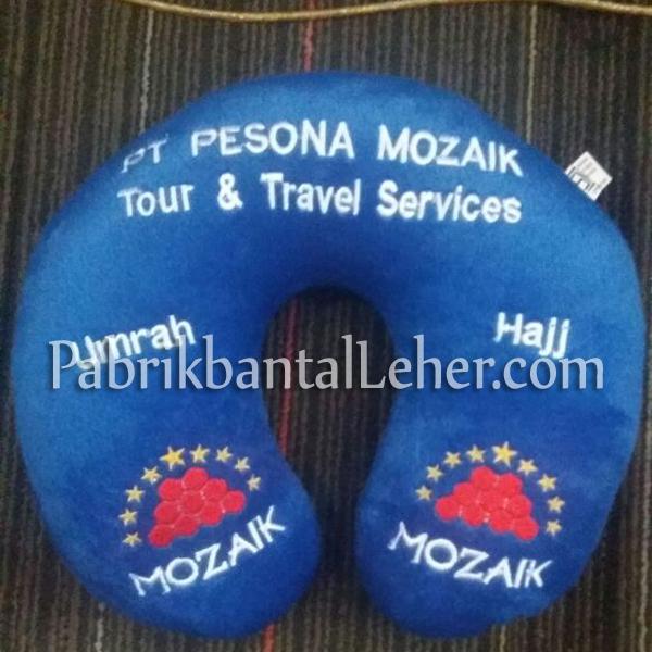bantal leher mozaik tour travel biru