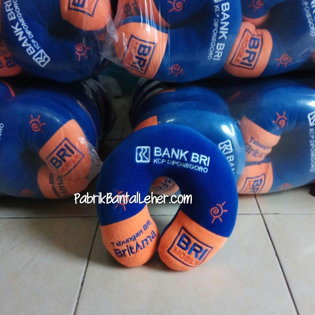 Bantal Leher Souvenir Bank BRI diponegoro