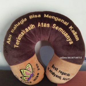 Custom Bantal Leher Souvenir Prajabatan